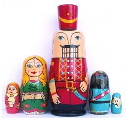 Matryoshka cascanueces